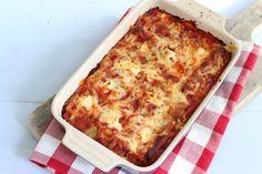 Je kunt de cannelloni vullen met alles wat je lekker vindt. Wij hebben gekozen voor een vulling van ricotta, gehakt en spinazie.
