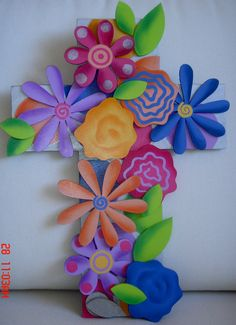 1000 images about cruces on pinterest crosses cross for Papel para forrar madera