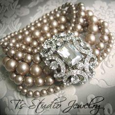 vintage pearls   ❤ Grey ~ Beige & Co. ❤)