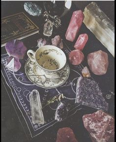 ✨TEA LEAF READING form of divination sounds kind of complicated, but if you've ever looked up at the sky and saw animals and… Crystals And Gemstones, Stones And Crystals, Magick, Witchcraft, Reading Tea Leaves, Tea Reading, Images Esthétiques, Crystal Aesthetic, Witch Cottage