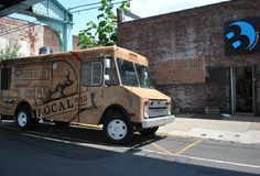 A food truck worth pigging out at = Local 215, #Philly #FoodTrucks