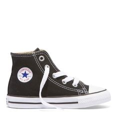 The Classic black high top one of my personal favs & the perfect shoe for any outfit !  HAPPY WEEKEND EVERYONE ✌🏼  #weekend #weekendvibes #converse #monochrome #toddler #toddlerstyle #kidsstyle #australia #kidsfashion #coolkids #nz #aussiemums #conversekids #casual #bestseller #nzmum