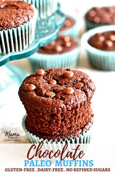 Paleo Chocolate Muffins Gluten Grain-free never tasted better! These easy and super moist Paleo chocolatemuffins will satisfy your chocolate cake cravings. Made with simple and healthy ingredients. Gluten-free dairy-free grain-free and no refined sugar. Paleo Dessert, Dessert Recipes, Desserts, Paleo Chocolate, Chocolate Cake, Pumpkin Chocolate Chip Muffins, Gluten Free Muffins, Dairy Free Recipes, Paleo Recipes