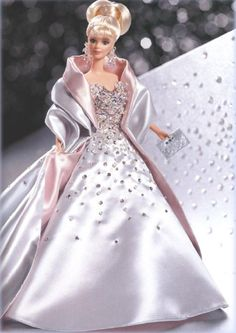 Looking for Collectible Barbie Dolls? Shop the best assortment of rare Barbie dolls and accessories for collectors right now at the official Barbie website! Habit Barbie, Barbie Mode, Barbie And Ken, Mattel Barbie, Barbie Gowns, Barbie Dress, Barbie Clothes, Rapunzel Barbie, Barbie Style
