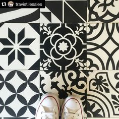 #Repost @travistilesales with @repostapp  Black and white on point!  beautiful concrete tile from @stonemar  #tile #blackandwhite #concretetile #floor #floortile #unique #interiordesign #design #tilelife #tilestyle #beautiful #details #pattern #interior #travistile #ihaveathingwithfloors #tileaddiction #tiletuesday #tuesday by lilicementtiles