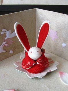 Rabbit Art, Kanzashi Flowers, Japanese Art, Japanese Style, Traditional Art, Fabric Flowers, Folk Art, Diy And Crafts, Felt