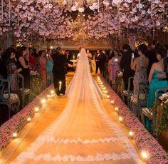 a entrada da noiva !!!