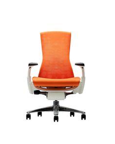 """Conheça o """"Living Office"""", da Herman Miller: a evolução dos ambientes de trabalho e o conceito aplicado na start-up Harry´s.,Cadeira Embody . Image via Herman Miller"""