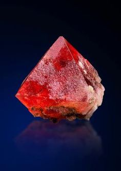 Saphira Minerals BS06 - Fluorite - Found on the permafrost of the northern face at the famous Frunthorn, Valsertal, Surselva, Graubünden, Switzerland Size: 4 x 3.6 x 3 cm