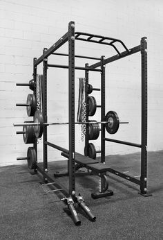 31 Ideas Weight Lifting Equipment Garage Gym Power Rack For 2019 Weight Lifting Equipment, Home Workout Equipment, Fitness Equipment, Sports Equipment, Rogue Fitness, Dream Home Gym, At Home Gym, Gym Workouts, At Home Workouts