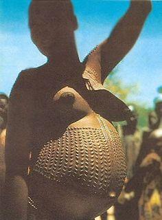 Viaje por el camino de la memoria: marcas tribales ( faciales y corporales) en la cultura africana.