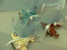 Μπομπονιέρα βάπτισης vintage αεροπλάνα με κλιπ σε τρεις χρωματισμούς