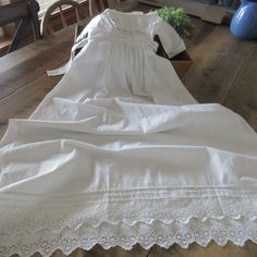 Lovely Antique Broderie Anglaise Lace CHRISTENING GOWN Childs Dress Lace Christening Gowns, Antique Clothing, Embroidered Lace, Antiques, Wedding Dresses, Children, Pretty, Cotton, Clothes