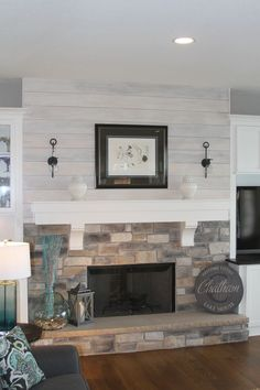 Great room with shiplap and stone fireplace – Anthony Thomas Builders – Anthony … Grande sala com shiplap e lareira de pedra – Anthony Thomas Builders – Anthony Thomas Builders Brick Fireplace Makeover, Shiplap Fireplace, Farmhouse Fireplace, Home Fireplace, Fireplace Remodel, Living Room With Fireplace, Fireplace Design, Fireplace Mantels, Fireplace Ideas