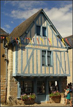Village shop in beautiful Guerande. French Trip, Brittany France, Ville France, Living In Europe, Shops, Old Buildings, What A Wonderful World, France Travel, Architecture