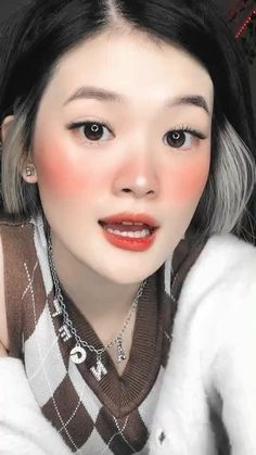 Cool Music Videos, Feel Good Videos, Cute Funny Baby Videos, Funny Videos For Kids, Cute Couple Videos, Videos Funny, Korean Beauty Girls, Korean Girl Fashion, Cute Korean Girl