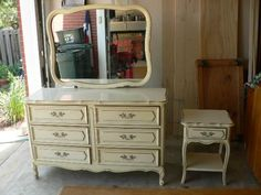 1960s french provincial bedroom furniture in the style for Rooms to go 1960