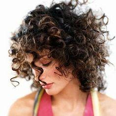 messy, bouncy, gorgeous curls {cute curly hair blog}