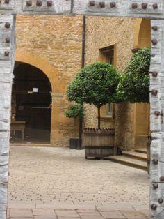 Chateau de Bagnols garden