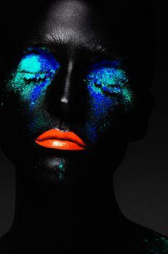 creative beauty, blue and aqua paint, orange lips Rae Morris, Aqua Paint, Real Techniques Brushes, Orange Lips, Glow, Portraits, Portrait Art, Makeup Photography, Photography Ideas