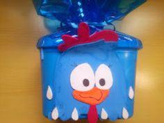 Sugestão de lembrancinhas para festas infantis com pote de Sorvete. Lembrancinha da Galinha Pintadinha com potes de sorvetes e EVA.   Bom...