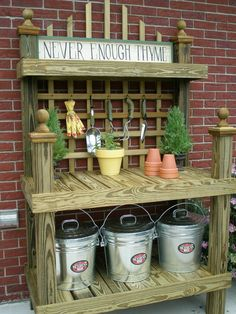 Pallet garden benches diy potting bench plans ideas to beautify your garden create a diy garden bench using items you already have at home Outdoor Potting Bench, Potting Bench Plans, Pallet Garden Benches, Potting Tables, Potting Sheds, Garden Bench Table, Potting Soil, Backyard Projects, Garden Projects