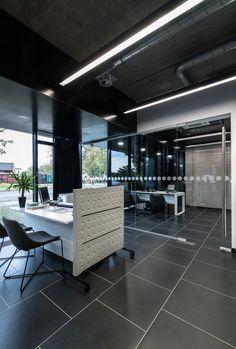 Gallery of Wiadomości Wrzesinskie Editorial Office / Ultra Architects - 18