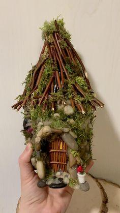 Fairy House Crafts, Fairy Tree Houses, Garden Crafts, Fairy Garden Pots, Fairy Garden Houses, Fairy Furniture, Miniature Fairy Gardens, Miniature Houses, Fairy Garden Accessories