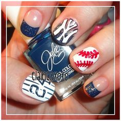 New York Yankees Nails.not a Yankee fan but these are really cute! Get Nails, Fancy Nails, Love Nails, How To Do Nails, Pretty Nails, Hair And Nails, Yankees Nails, Baseball Nails, Def Not