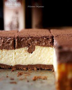 Waniliowy sernik z musem czekoladowym - Justyna Dragan Sweet Recipes, Cake Recipes, Dessert Recipes, Cinnamon Roll Cheesecake, Custard Cake, Sweet Pastries, Polish Recipes, Polish Food, My Dessert