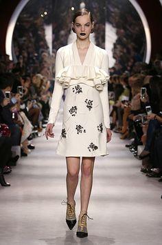 Robe manches longues col v, tsniout, modest dress, AUTOMNE-HIVER 2016- 6e25063b705