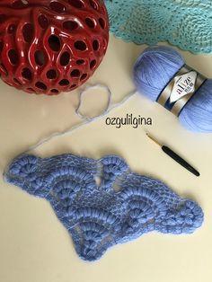 Crochet Fabric, Crochet Shawl, Crochet Crafts, Knit Crochet, Crochet Patterns, Fingerless Gloves, Arm Warmers, Crochet Bikini, Knitted Hats