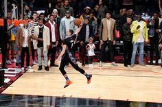 zach lavine 2015 dunk contest | TORONTO, ON - FEBRUARY 13: Zach LaVine of the Minnesota Timberwolves ...