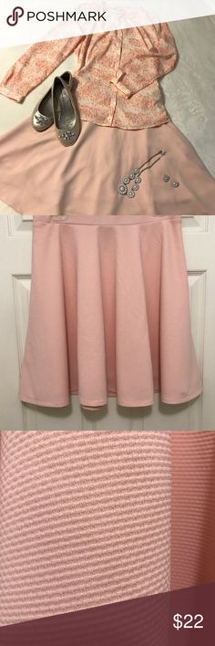 """Serena Williams Pink Skirt Pretty Serena Williams Pink, Stretch Skirt! Size L. Waist 31"""". Just above knee length 19.5"""". Finely textured, light pink, skater circle skirt , side zip. New condition. No tags. Perfect for Spring and summer! Serena Williams Skirts Mini"""
