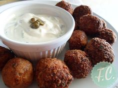 Revithokeftedes (chickpeas in fried balls with flour and herbs), Sifnos, Greece Vegan Vegetarian, Vegetarian Recipes, Greek Appetizers, Food Fantasy, Island Food, Greek Recipes, Vegan Life, Food Hacks, Finger Foods