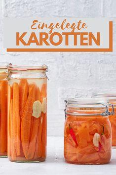 Karotten lange haltbar machen! Rezept für sauer eingelegt Karotten. Als Garnitur für Salat oder zur Vorspeise geeignet. Cantaloupe, Fruit, Food, Pickled Carrots, Essen, Meals, Yemek, Eten
