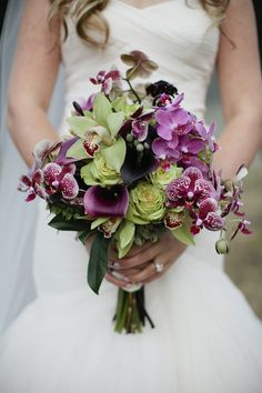 Purple and green orchid wedding bouquet Ok so these colors make it teardrop form and add stephenotis with pearls and id be good White Orchid Bouquet, Orchid Bridal Bouquets, Purple Wedding Bouquets, Bride Bouquets, Green Orchid, Purple Orchid Wedding, Purple Flowers, Bouquet Flowers, Exotic Flowers