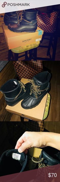 Sperry Boot Size 7, Salt Water Wedge, Black These duck boots are in great condition, bought recently.. Only wore them a handful of times. They're a half size too big, I need a 7.. Thought thick socks would have helped,  but it didn't. Thanks to the fleece lining on the inside of the boots, this pair will be comfortable for the right person. The black color makes them timelessly stylish and the quality will last you years to come. You will enjoy them! Sperry Shoes Winter & Rain Boots