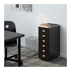 IKEA - เฮล์มเมอร์, ตู้ลิ้นชักมีล้อเลื่อน, ดำ, , ล้อเลื่อนช่วยให้เคลื่อนย้ายตู้ได้สะดวกมีป้ายกำกับหน้าลิ้นชักแต่ละช่อง เพื่อความเรียบร้อยในการจัดเก็บเอกสาร และค้นหาได้ง่ายมีตัวล็อกกันลิ้นชักหลุดจากราง