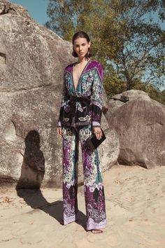 Zuhair Murad Spring 2019 Ready-to-Wear Collection - Vogue ♦๏~✿✿✿~☼๏♥๏花✨✿写 ☆ ☀❁~⊱✿ღ~❥ ༺♡༻ 🌺 SA Oct 2018 🌺 ༺♡༻ 💥⊰~ ♥⛩☮️ Couture Fashion, New Fashion, Fashion Outfits, Womens Fashion, Fashion Trends, Vogue, Quoi Porter, Fashion Show Collection, Summer Collection