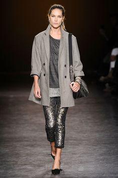 Isabel Marant Fall 2010 Ready-to-Wear Fashion Show - Erin Wasson