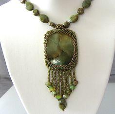 [Flower-Jade-Peyote-Necklace-002.jpg]