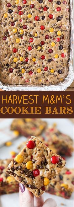 These Harvest M&M'S Cookie Bars are perfect for fall. Loaded with chocolate chips and Harvest Mix M&M'S, these cookie bars are great for feeding a crowd. Harvest M&M's Cookie Bars - Harvest M&M's Cookie Bars for Halloween or Thanksgiving Köstliche Desserts, Holiday Desserts, Holiday Baking, Holiday Treats, Delicious Desserts, Dessert Recipes, Yummy Food, Autumn Desserts, Creative Desserts