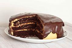 Φτιάξτε κέικ σοκολάτας με κρέμα φυστικοβούτυρο