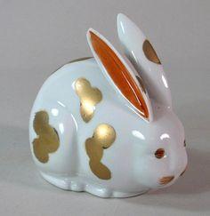 Vintage Japanese Kutani Porcelain Rabbit Japanese China, Vintage Japanese, Japanese Art, Japanese Porcelain, Japanese Pottery, China Porcelain, Beautiful Rabbit, Japanese Folklore, China Tea Sets