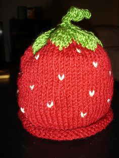 #knit berry hat - free pattern