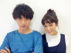 "[Press conference, 05/01/16]   guy x lady x 2 children  Shohei Miura x Mirei Kiritani x Kento Yamazaki x Shuhei Nomura, J drama ""Sukinahito ga irukoto (lit. There's someone I love)"", from July/2016           [Plot] http://asianwiki.com/Sukina_Hito_ga_Iru_Koto"