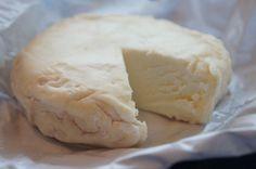 Jeg har definitivt mer enn noen spanske oster i kjøleskapet akkurat nå. Men de er til for å spises, så det går nok bra.