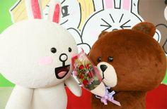 LINE展兔兔慶生 熊大認愛獻花