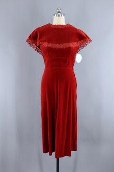 Painstaking M 1950s Red Taffeta Half Slip Crystal Pleats Polka Dot Ribbon Lingerie 50s Vtg Lingerie